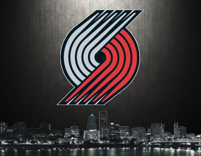 Blazers Resign Carmelo Anthony